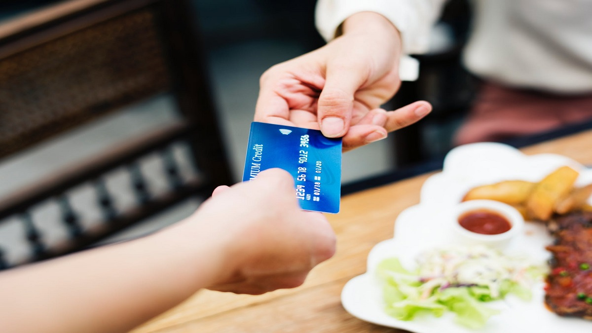 Photo of The Pros and Cons of using a Retail Store Credit Card: An unbiased review